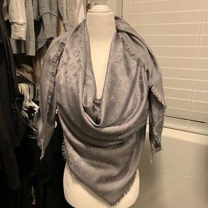 LV silver/grey mono scarf